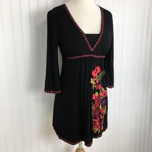 Caite 3/4 bell sleeve black embroidered top size S